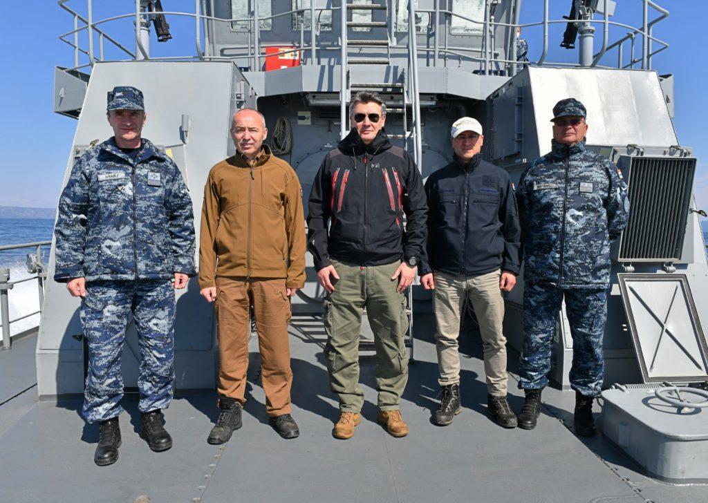 Predsjednik Milanović s pripadnicima Obalne straže na redovitoj plovidbi obalnog ophodnog broda