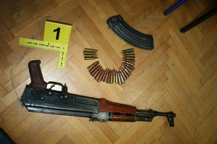Kod 29-godišnjaka pronašli nedozvoljeno oružje, slijedi kaznena prijava