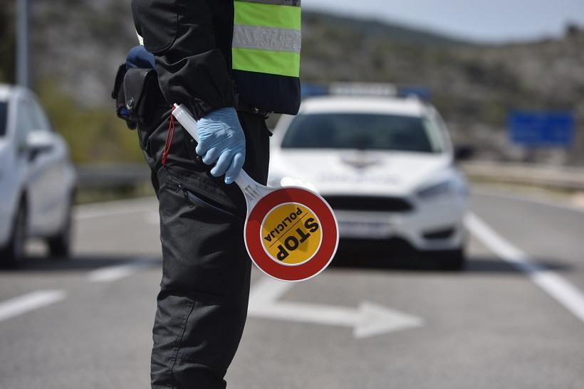 Vozača šlepera zatekli pijanog za upravljačem; ostao bez vozačke i više od 10.000 kuna