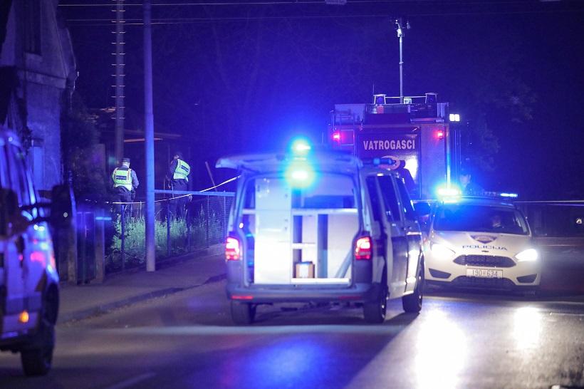 U požaru izgorjela dva automobila, policija istražuje uzrok
