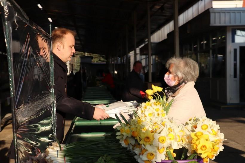 Koprivničkom placu donirano 10.000 papirnatih vrećica Vemo Trade-a