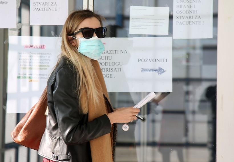 Na Stožeru komentirali nošenje maske nakon cijepljenjaAstraZenecom
