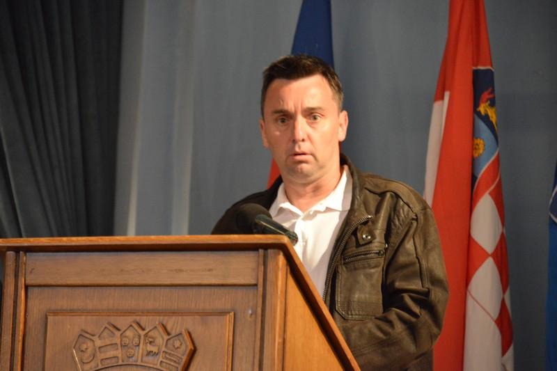 Eduard Krmpotić: U kojem statusu je projekt izgradnje dvorane kod Osnovne škole Ljudevita Modeca?