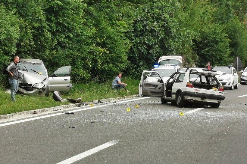Teška prometna nesreća; vozač dobio epileptični napad, jedna osoba poginula