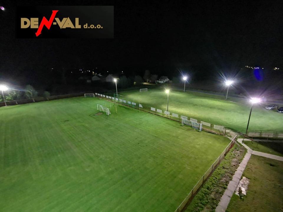 Nogometno igralište u Dubravi zasjalo s novim reflektorima