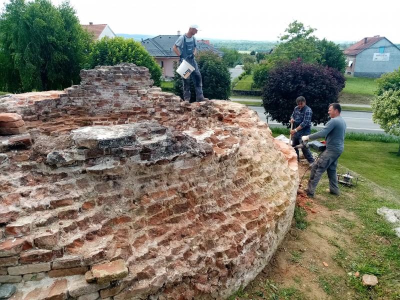 Nastavljeni konzervatorsko-restauratorski radovi na Gradini
