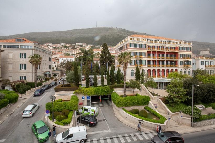 IAKO TURISTA NEMA CIJENE NE PADAJU Dubrovački luksuzni hoteli u sezoni traže i do 40 tisuća kuna za smještaj