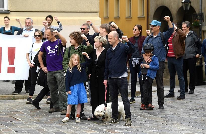 Mile Kekin s obitelji sudjelovao u prosvjednoj akciji na Trgu svetog Marka