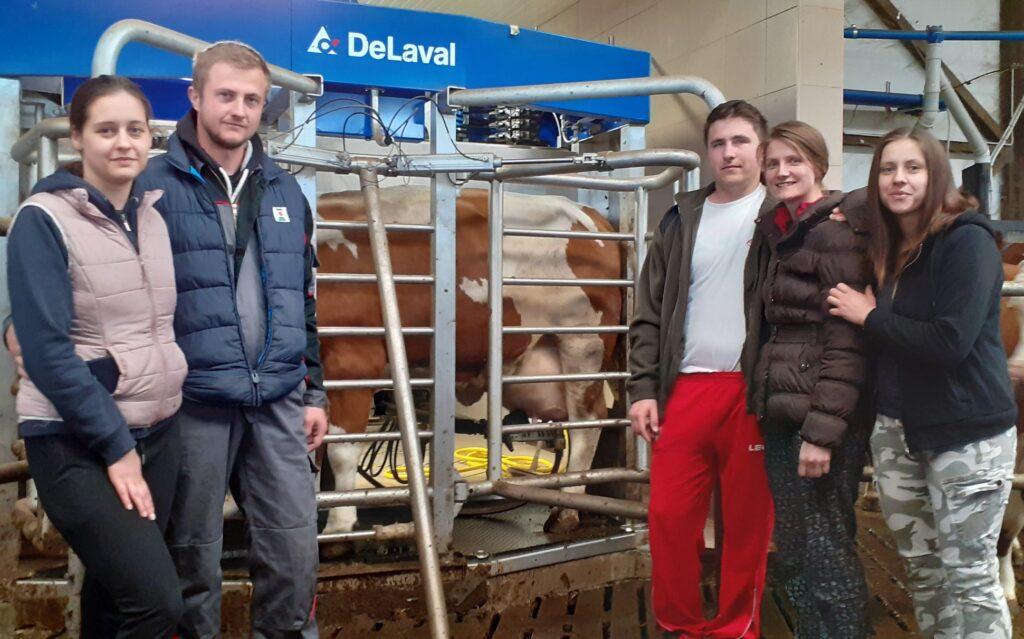 JOŠ JEDAN HRVATSKI BIK NAJVIŠE SVJETSKE KLASE Obitelj Mužinić uzgojila sjajnog bika!