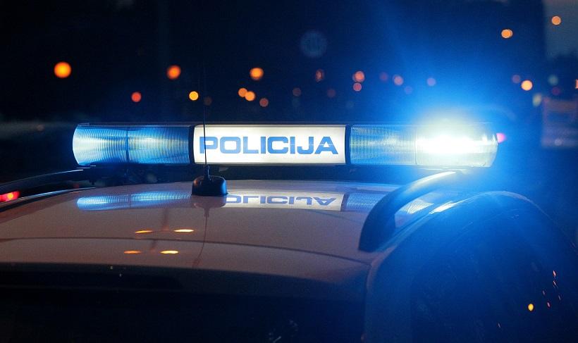 Pijani 37-godišnjak skrivio prometnu; ozlijedio sebe i 17-godišnju putnicu
