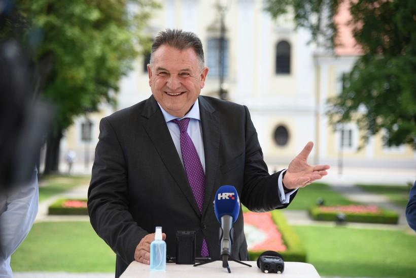 Čačić: 'Hvala ministrici Divjak i potpredsjedniku Vlade Štromaru na neodgovornosti, nestručnosti, neozbiljnosti'