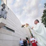 🎦 Kako se vjernici nose sa zabranama uoči blagdana: 'Situacija je pomalo kao u ratu'