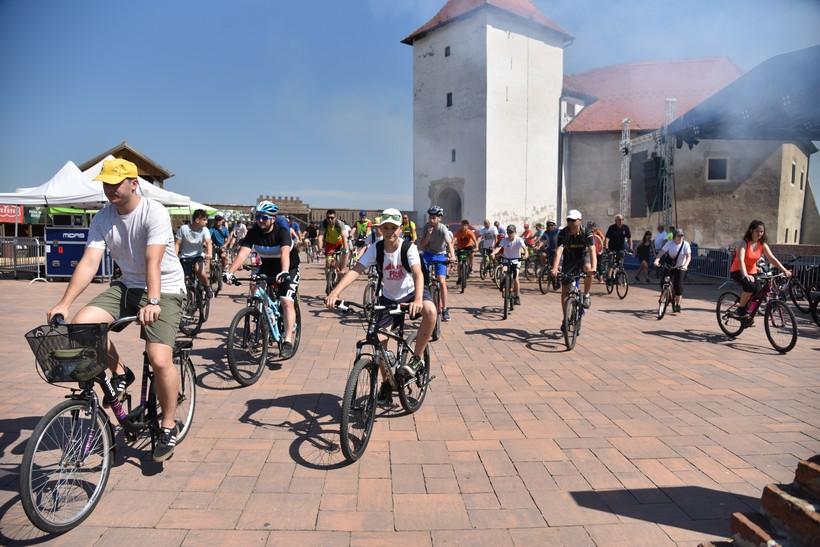 PICOKIJADA Biciklisti krenuli putem vinsko-biciklističke staze