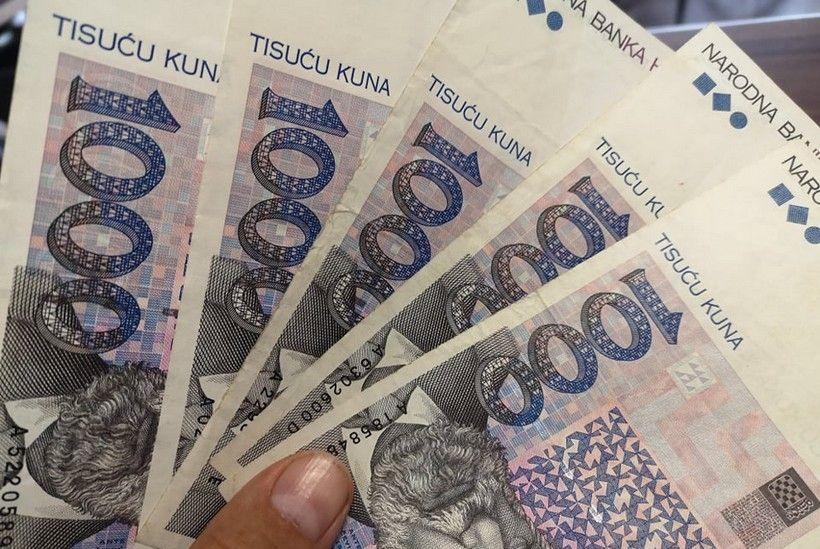 Otkrivena javna tvrtka koja ništa ne radi; ima direktora i tajnicu i prosjek plaće 20.011 kuna