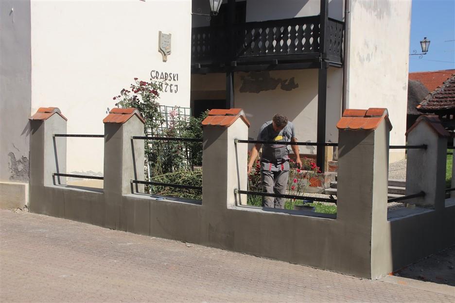 Uređuje se ograda Gradskog muzeja Križevci, a u Likovnoj galeriji postavljaju se klima uređaji