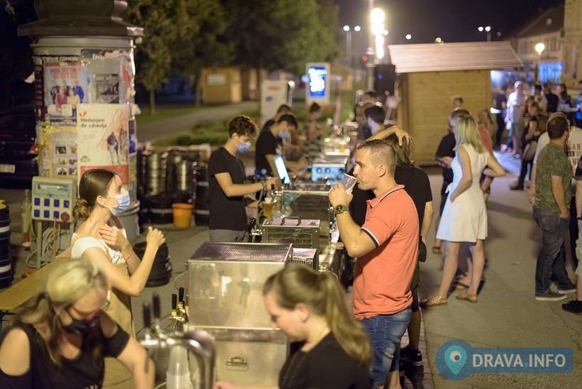 🖼️ Koprivnicom zavladale craft pive; posjetiteljima u ponudi čak 15 proizvođača