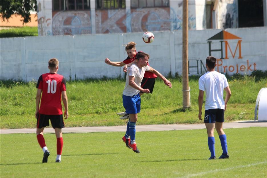 NOGOMET Kadeti remizirali, juniori pobijedili u susretu Radnika Križevci i Vrbovca