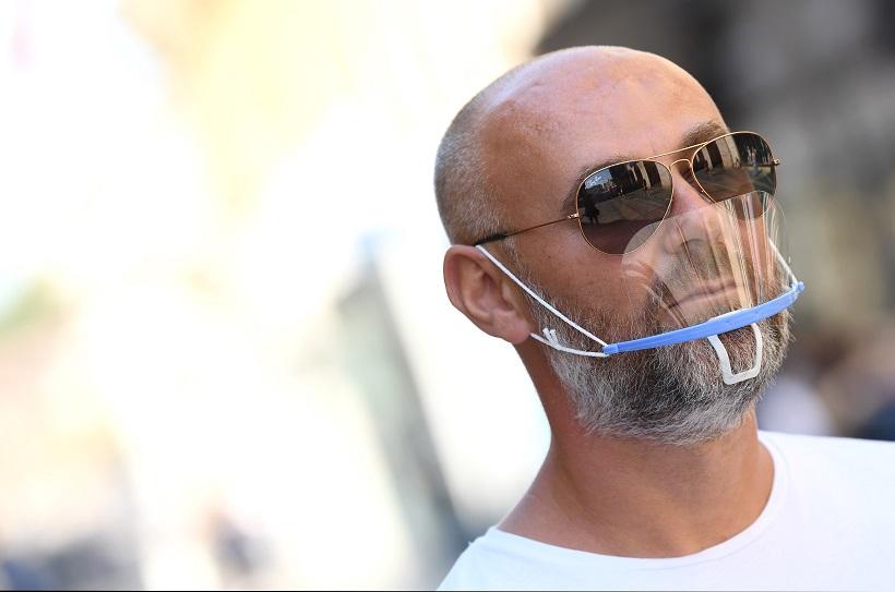 Zaštitne maske u brojnim kombinacijama