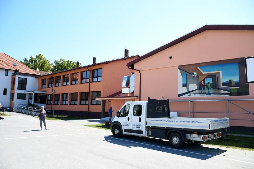 Osnovna škola u Velikom Grđevcu dobila mural
