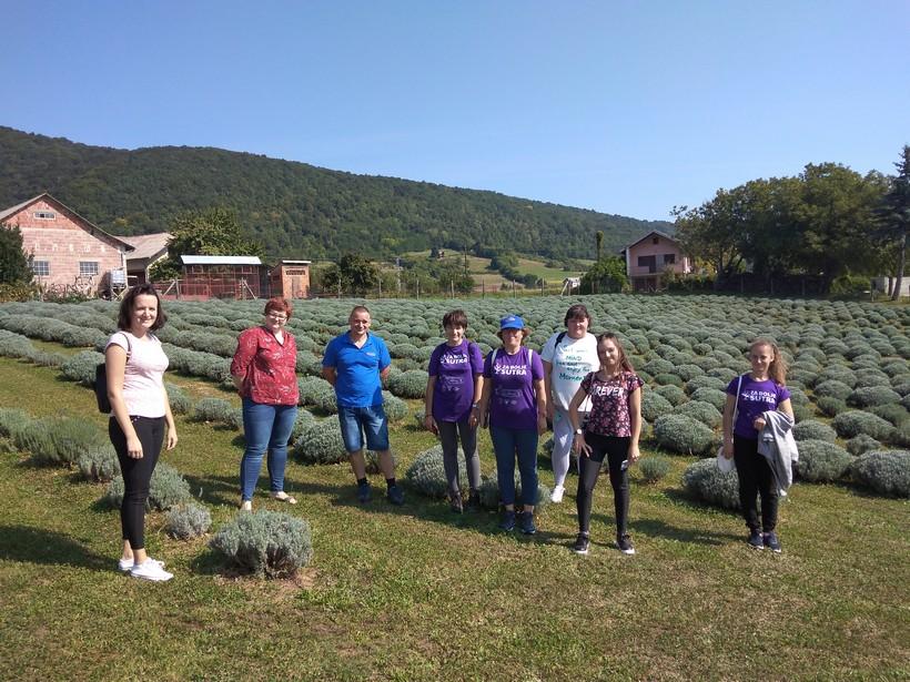 Sudionice projekta 'Za bolje sutra' u mirisnim kalničkim vrtovima