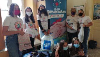 Članovi učeničkih skupina 'Mali humanitarko' organizirali prikupljanje donacija odjeće i obuće