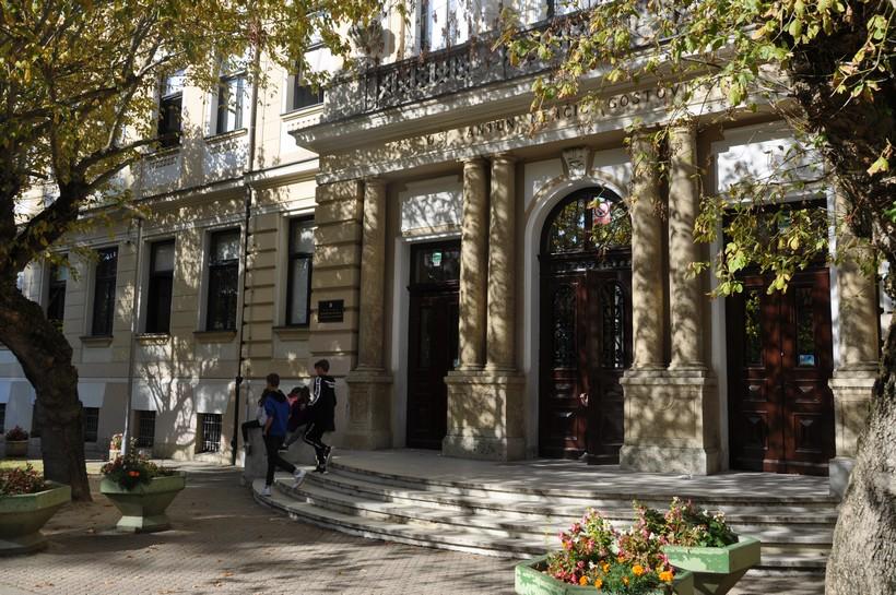 U Koprivničko-križevačkoj županiji 11 novozaraženih, zatvorena koprivnička škola!