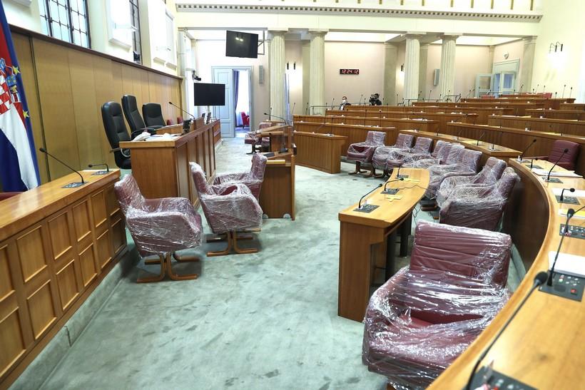 🎦 Saborski zastupnici dobili nove fotelje