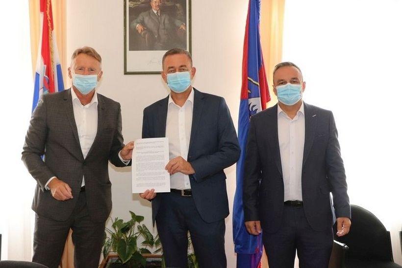 Potpisivanje ugovora - prijevoz (1)