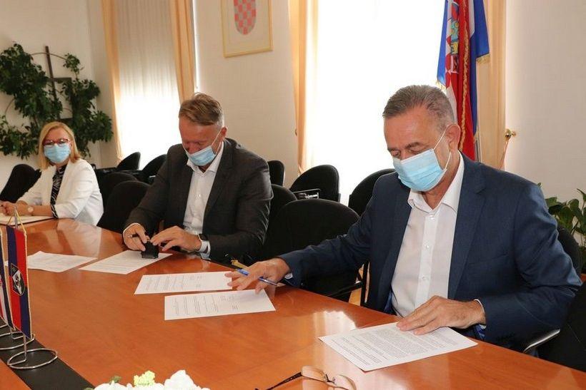 Koprivničko-križevačka županija za prijevoz srednjoškolaca osigurala tri milijuna kuna