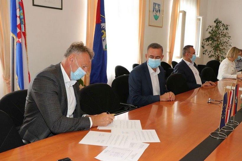 Potpisivanje ugovora - prijevoz (9)