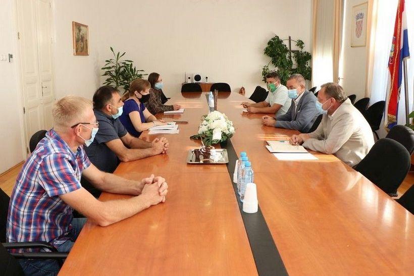 Župan Koren primio predstavnike Udruge mljekara 'Drava-Sava': 'Podržat ćemo vaše prijedloge Ministarstvu'