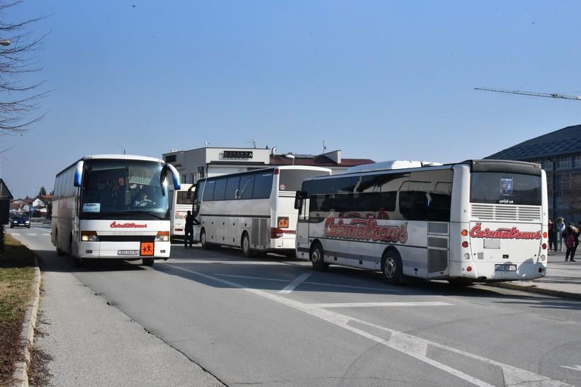 Grad Sveti Ivan Zelina subvencionira troškove autobusnog prijevoza redovitih učenika srednjih škola