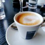 Ispijanje više od triju šalicakave s kofeinom dnevno za jednu je stvar u tijelu posebno dobro!