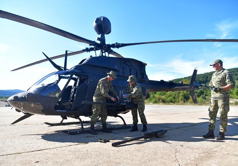 🖼️ 🎦 Provedena bojeva gađanja i raketiranja iz helikoptera Kiowa Warrior