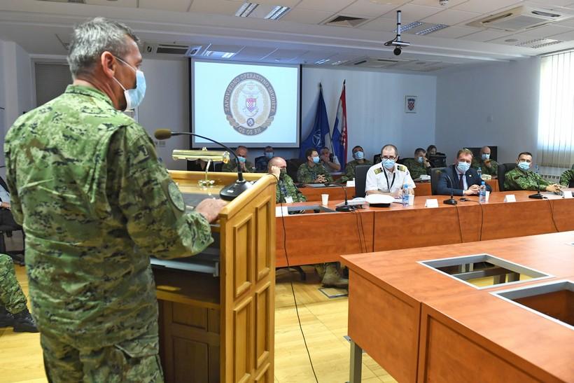Zahvaljujući prijenosu slike uživo gađanja i raketiranja u sjedištu MORH-a pratili ministar i suradnici
