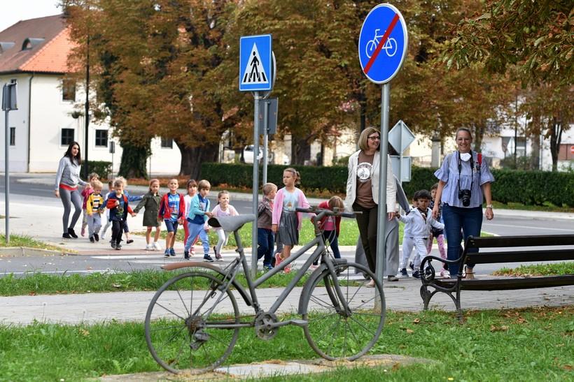 obilazak spomenika biciklu (2)