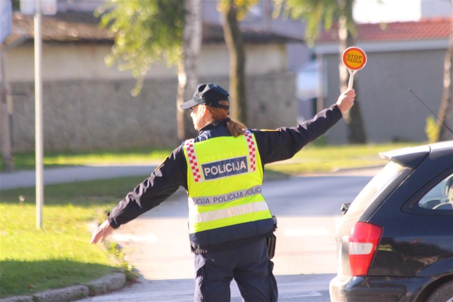 OBAVIJEST Prijevoz izvanrednog tereta velikih dimenzija pod policijskom pratnjom