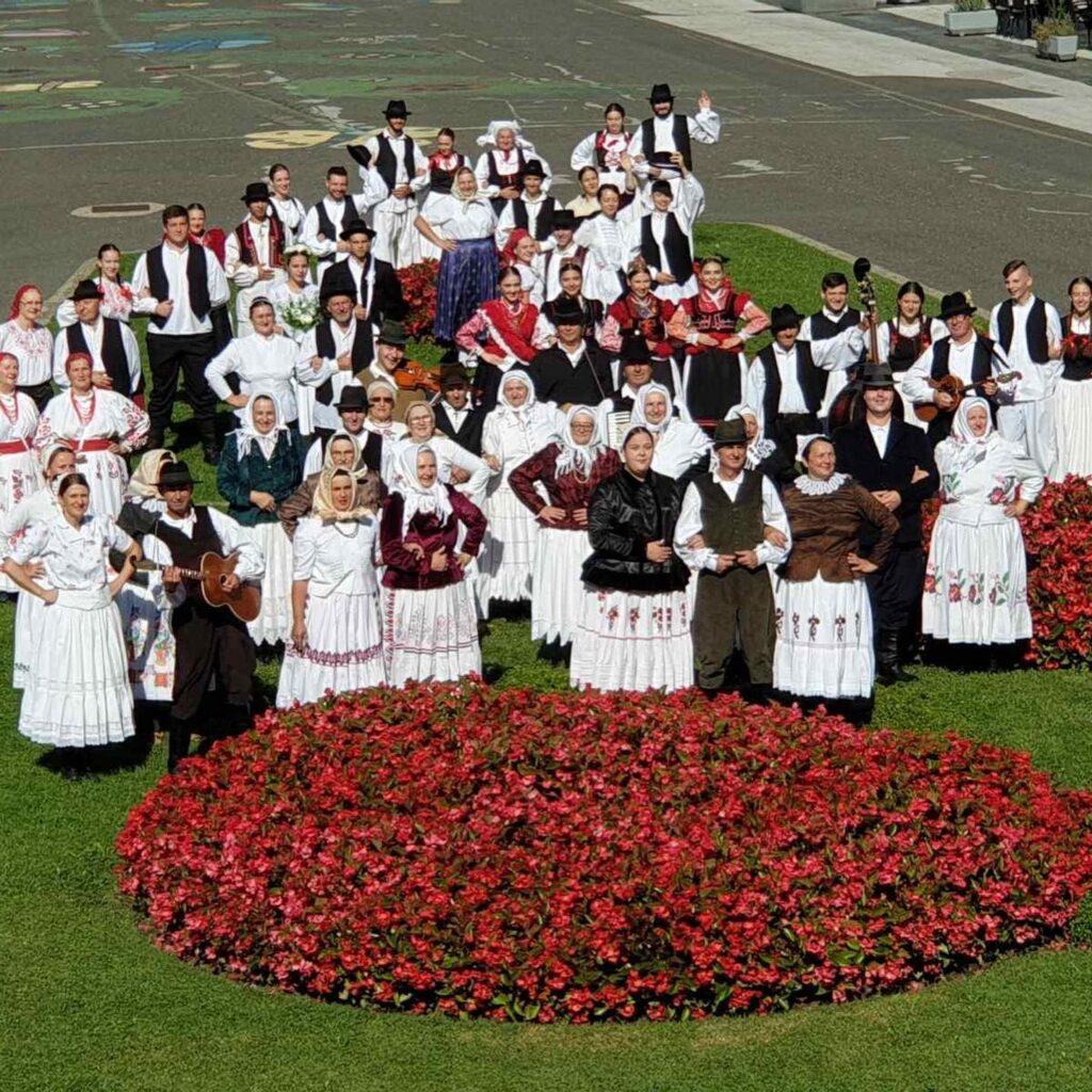 Čuvari baštine pokazali u Koprivnici raskoš tradicije, plesa i običaja