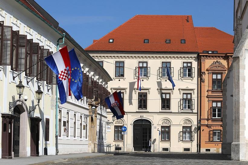 Nisko povjerenje u vladu pokazatelj da je Hrvatska neuspješna država