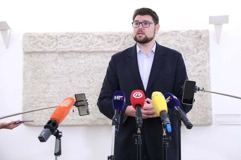 Šef SDP-a: 'Neprihvatljivo da Plenković od sebe pokušava napraviti žrtvu'