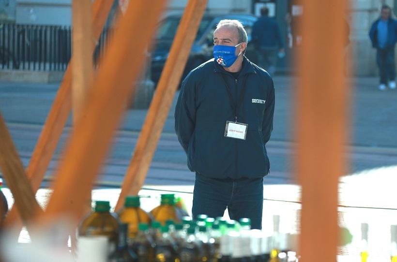 Covid redar s maskom Dinama u akciji na Sajmu zimnice