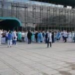 Liječnici i sestre iz KB Dubrave prosvjedovali: 'Dubrava ne može sve sama'
