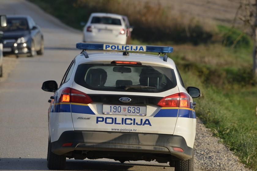 Zatečeni u krađi humanitarne pomoći u Hrvatskoj Kostajnici