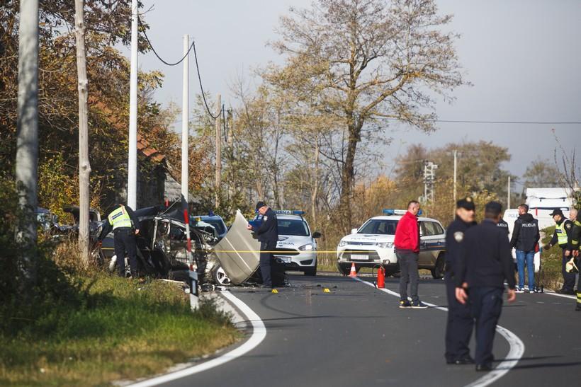 U teškom sudaru poginuo policajac i dva radnika s pilane