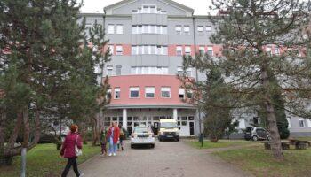 Hrvatski nogometni savez donirao bolnici u Varaždinu 200.000 kuna