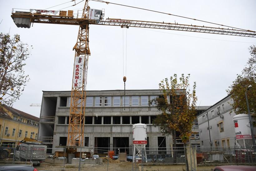 🎦 Nova bjelovarska bolnica poprima završni izgled