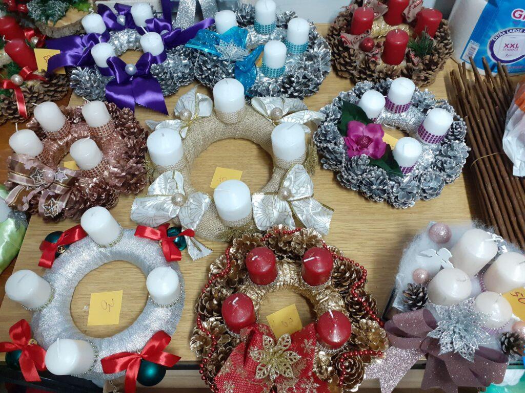 U petak prigodna prodaja adventskih vjenčića Udruge Maslačak Križevci
