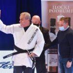 """Karate: Zaretska pobjednica """"Top tena"""", Bandić uručio pehar pobjednici"""