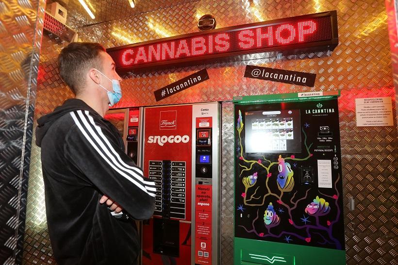Na ovom aparatu mogu se kupiti proizvodi od marihuane