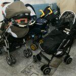 TEŠKO OZLIJEĐENA BEBA Automobil je krenuo i prikliještio bebu uz zid